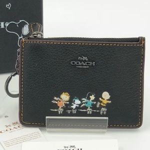Coach Peanuts Snoopy & Gang Card Coin Case